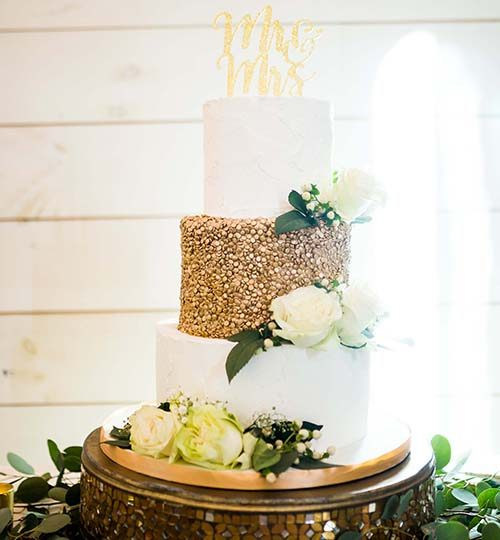 Gold wedding cake Venue at Murphy Lane Newnan GA